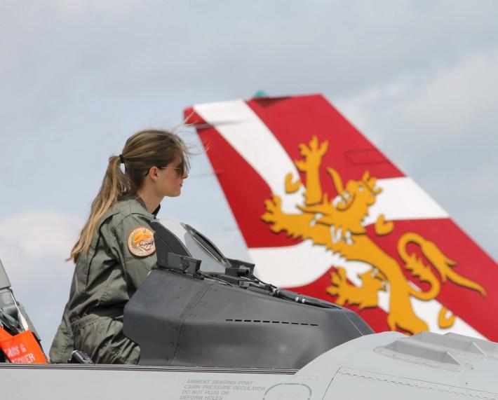 ef76cd5c287 tumblr o6m376PGqr1u3w4kao1 1280.jpg  Royal Danish Air Force female fighter  pilot