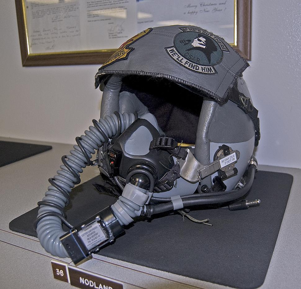helmet.jpg photos | F-16.net