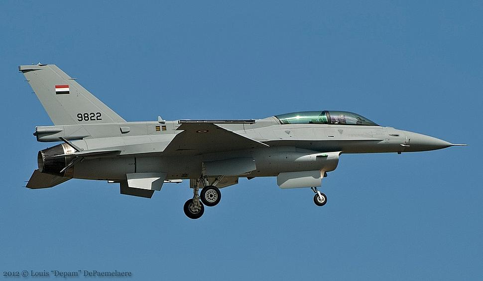 Eaf f 16d block 52 9822 is coming in for landing at nas fort worth on