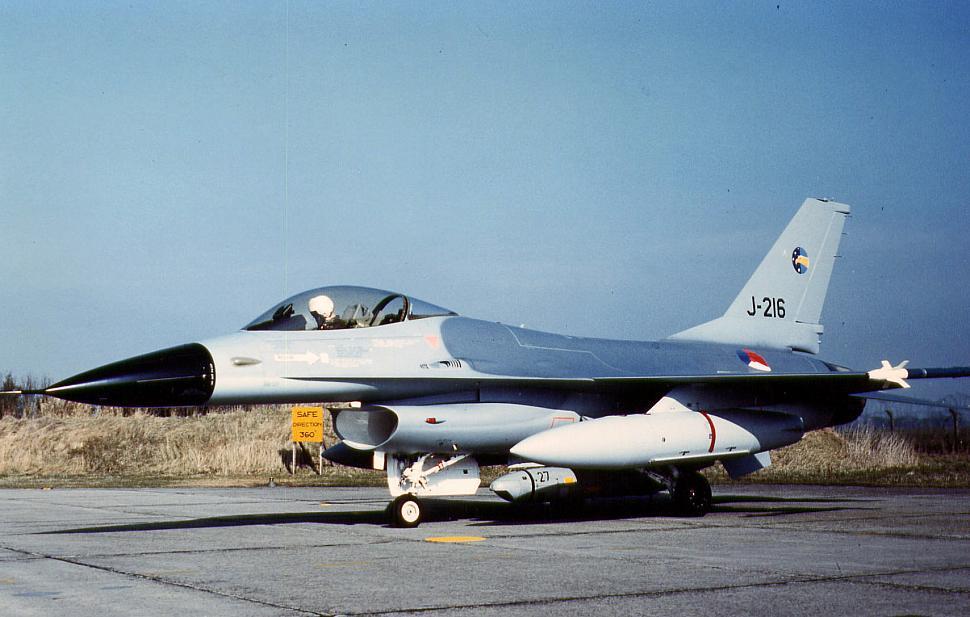 J-216.jpg photos | F-16.net