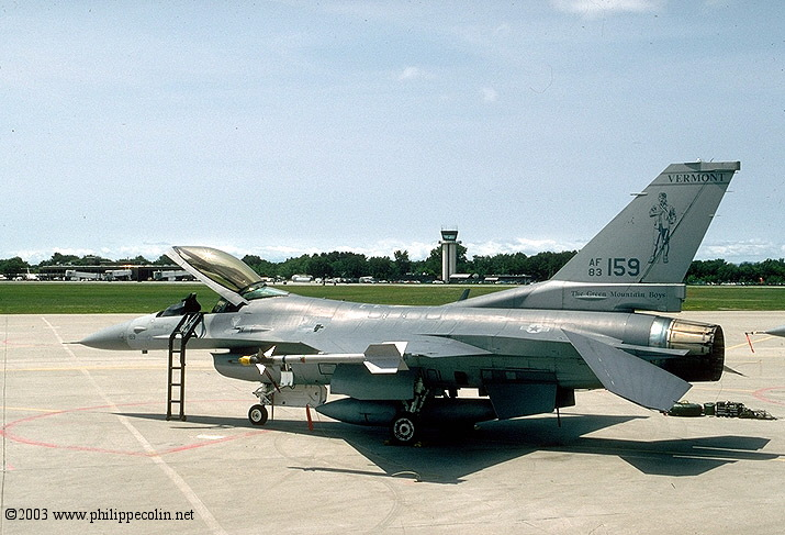 F-16 landing gear collapsed at Burlington International Airport, Vermont