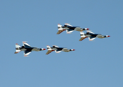 F 35 Lightning Ii Thunderbirds The Thunderbirds at Sioux Falls air show 2003 [Photo by Jeff]